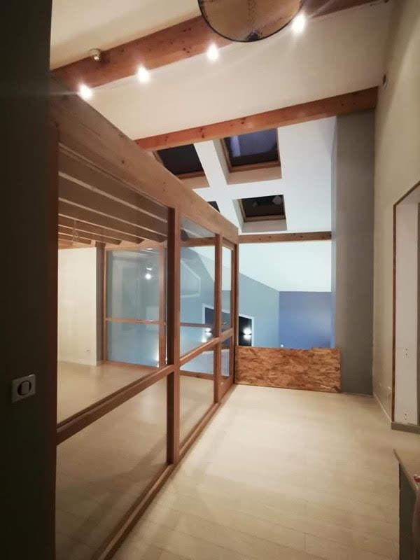 Création mezzanine avec ensembles vitrés